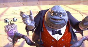 Monsters-disneyscreencaps.com-3586