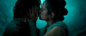 Rey kisses Ben