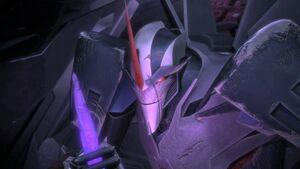Starscream holding a dark energon shard