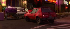 Tyler-gremlin-personnage-cars-2-02-800x333