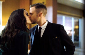 Fitz and AIDA kissing