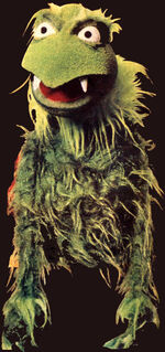 Green frackle puppet.jpg