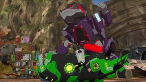 Underbite vs. Grimlock (Combiner Force)