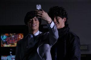 Kuroto admires Gashat