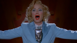 Elsa Mars singing