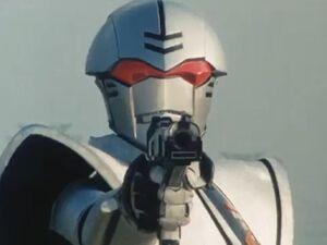 Bio Hunter Silva aiming Bi-Buster Ep37