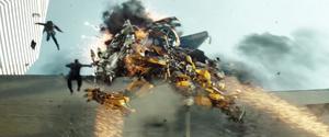 Transformers3-dotm-trailer-starscream-dies