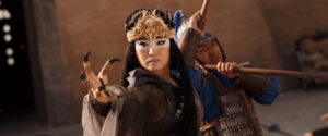 Xian Lang using her claws