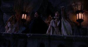 Aleera Dracula Verona awe