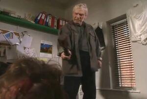 Don threatens to kill Mike Baldwin
