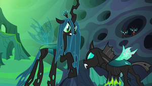 Queen Chrysalis looking angry at Thorax S6E26