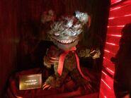 Krampus Scarehouse Teddy Klaue