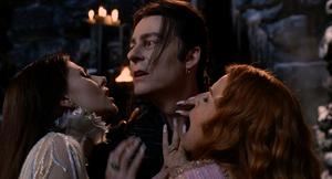 Verona Dracula Aleera hug