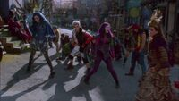 Descendants-disneyscreencaps.com-705