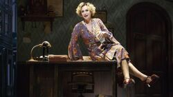 Jane lynch annie broadway a l