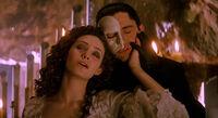 Phantom-of-the-opera-2004-movie-review-music-of-the-night-christina-mask-ghost-gerard-butler-emmy-rossum