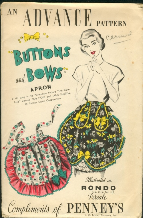 Advance Buttons and Bows Apron