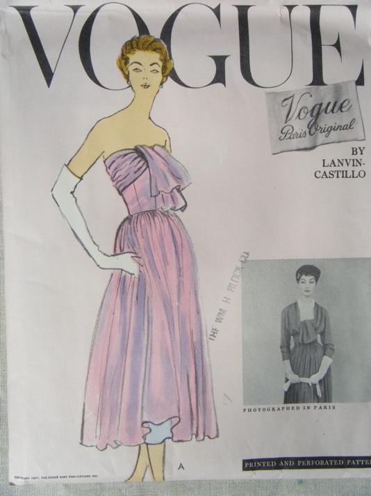 Vogue 1366 A