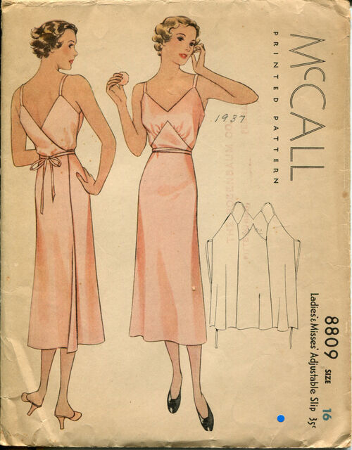McCall 8809 Size 16.jpg