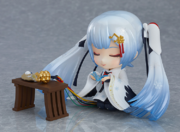 Crane Priestess Nendoroid 1