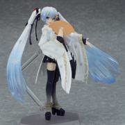 Crane Priestess Figurine 4