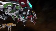 S6E01.174. Lions face off against Sendak's fleet