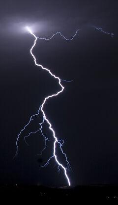 Lightningcropandstuff.jpg