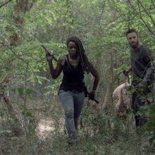 10x01 Michonne and Aaron.png