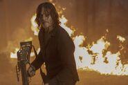 10x01 Daryl fire