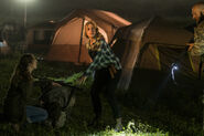 Fear-The-Walking-Dead-The-Unveiling-3x07-promotional-picture-fear-the-walking-dead-40549012-500-333