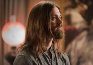 The-walking-dead-episode-705-jesus-payne-935
