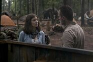 Maggie Rhee and Rick Grimes Talking 9x03 Season 9 TWD