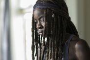 9x05 Michonne sad