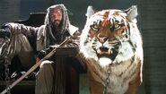 TWD-S7E2-Ezekial-and-Shiva