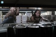 3x13-This-Is-Your-Land-Promotional-Photo-fear-the-walking-dead-40728403-500-334