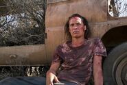 Fear-the-walking-dead-grotesque-review-nick-against-car