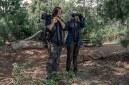 10x06 Daryl and Carol spy mode