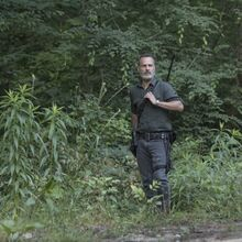 9x02 Rick on guard.jpg