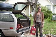 The-walking-dead-season4-episode4-indifference-carol-car