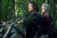 10x01 Daryl and Carol 2