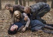 AMC 516 Walkers Attack Glenn