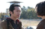 Walking-Dead-Steven-Yeun-Lauren-Cohan-copy-580x435