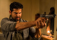 The-walking-dead-episode-802-morales-pareja-935