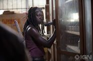 Normal The-Walking-Dead-4-Temporada-Episodio-S04E04-Indifference-002