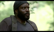 5x02 Tyreese Wary