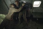 5x01 Morgan vs Walker