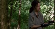 The-Walking-Dead-7.04-Service-Rosita-finds-the-gun