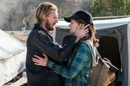 FTWD 6x10 Dwight and Sherry