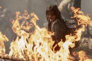 10x01 Daryl fire 2
