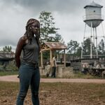 9x02 Michonne by the watertower.jpg